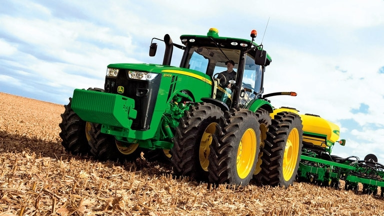 8345R Tractor